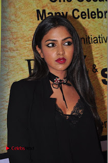 Actress Amala Paul Stills in Black Dress at South Scope Lifestyle Awards 2016 Red Carpet  0006.JPG