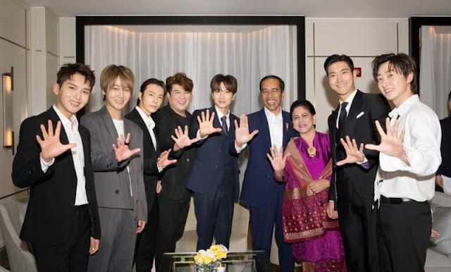 Super Junior Ketemu Jokowi di Korea