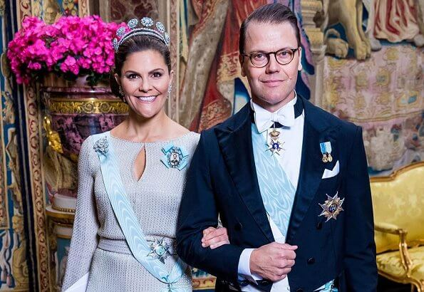 Crown Princess Victoria, Prince Daniel, Prince Carl Philip, Princess Sofia and Princess Christina. diamond tiara and diamond earrings