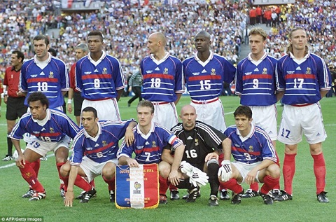 Huấn luyện viên Deschamps từng là thủ quân của tuyển Pháp trong thắng lợi dành Cup vô địch WC 1998.