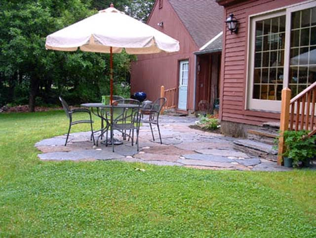 How to Build Amazing Flagstone Patio Design Ideas picture