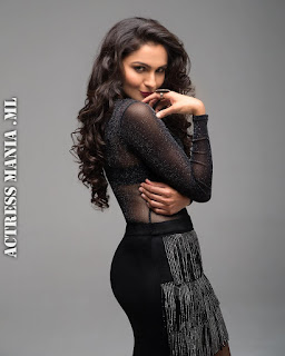 Andrea Jeremiah Hot Photos