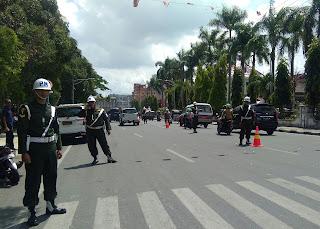 Denpom I/1 Pematangsiantar Melakukan Razia Kendaraan yang menggunakan atribut TNI.