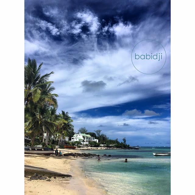 vue depuis la plage de Trou d'eau douce à l'Île Maurice