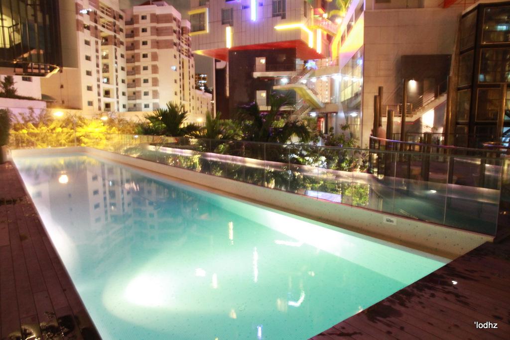 Studio m hotel robertson quay singapore mrs lodhz - The quays swimming pool timetable ...