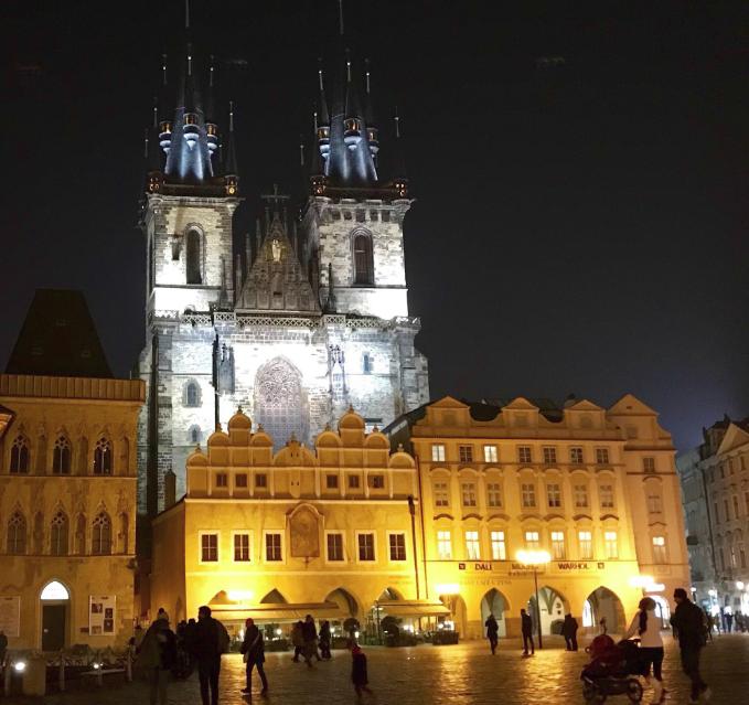 st.vitus katedrali pragta yapılması gerekenler prag gezilecek yerler old town square milenaya mektuplar karl köprüsü kafka eski prag meydanı