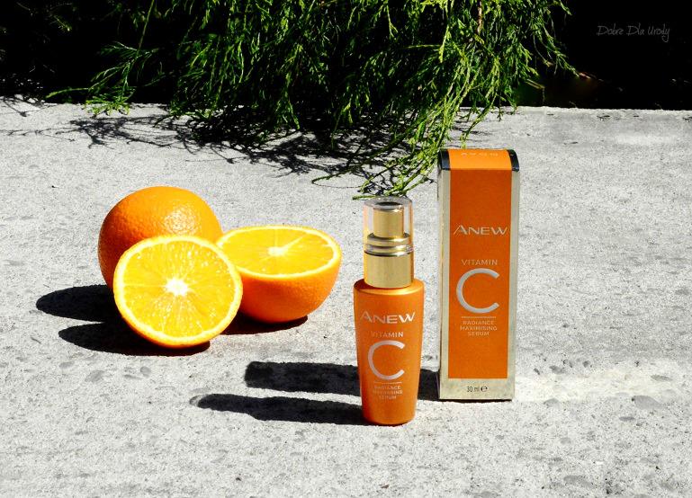 Rozświetlająco-odmładzające serum do twarzy z 10% witaminą C Avon recenzja