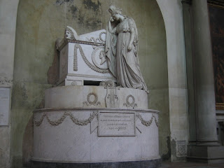 The tomb of Vittorio Alfieri in the Basilica of Santa Croce in Florence was sculpted by Antonio Canova