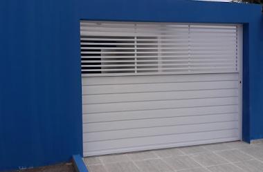 Portão em alumínio branco 33