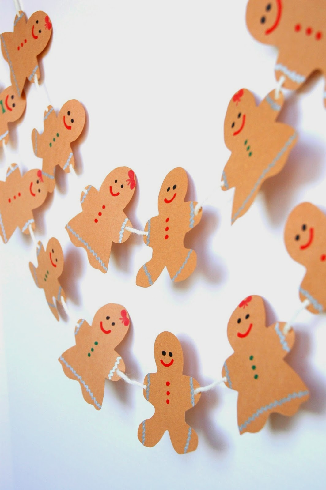 Gingerbread Garland Christmas Craft for Kids