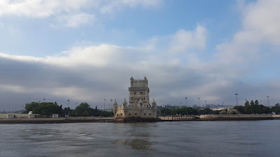 (Almost) Wordless Wednesday - Lisbon from the river, Hippotrip Lisbon