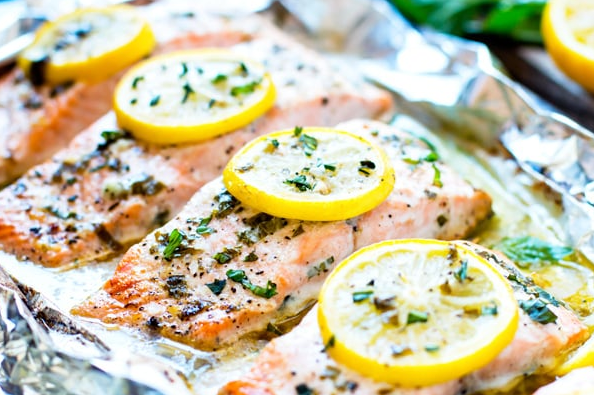 BASIL & LEMON BAKED SALMON IN FOIL #dinner #healthyeating