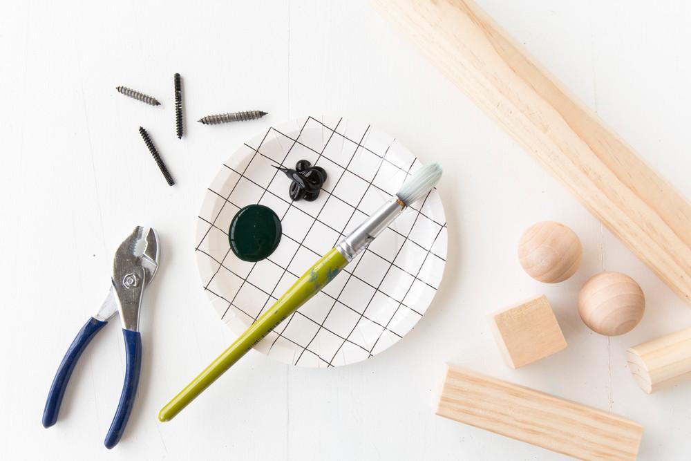 die wohngalerie garderobenhaken aus massivem holz zum selbermachen. Black Bedroom Furniture Sets. Home Design Ideas