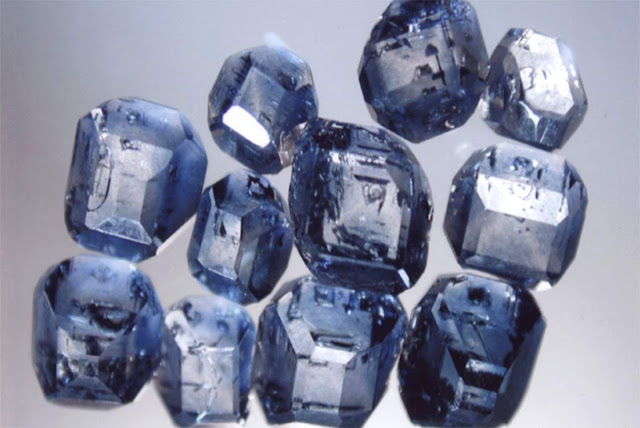 What Do Memorial Diamonds Look Like