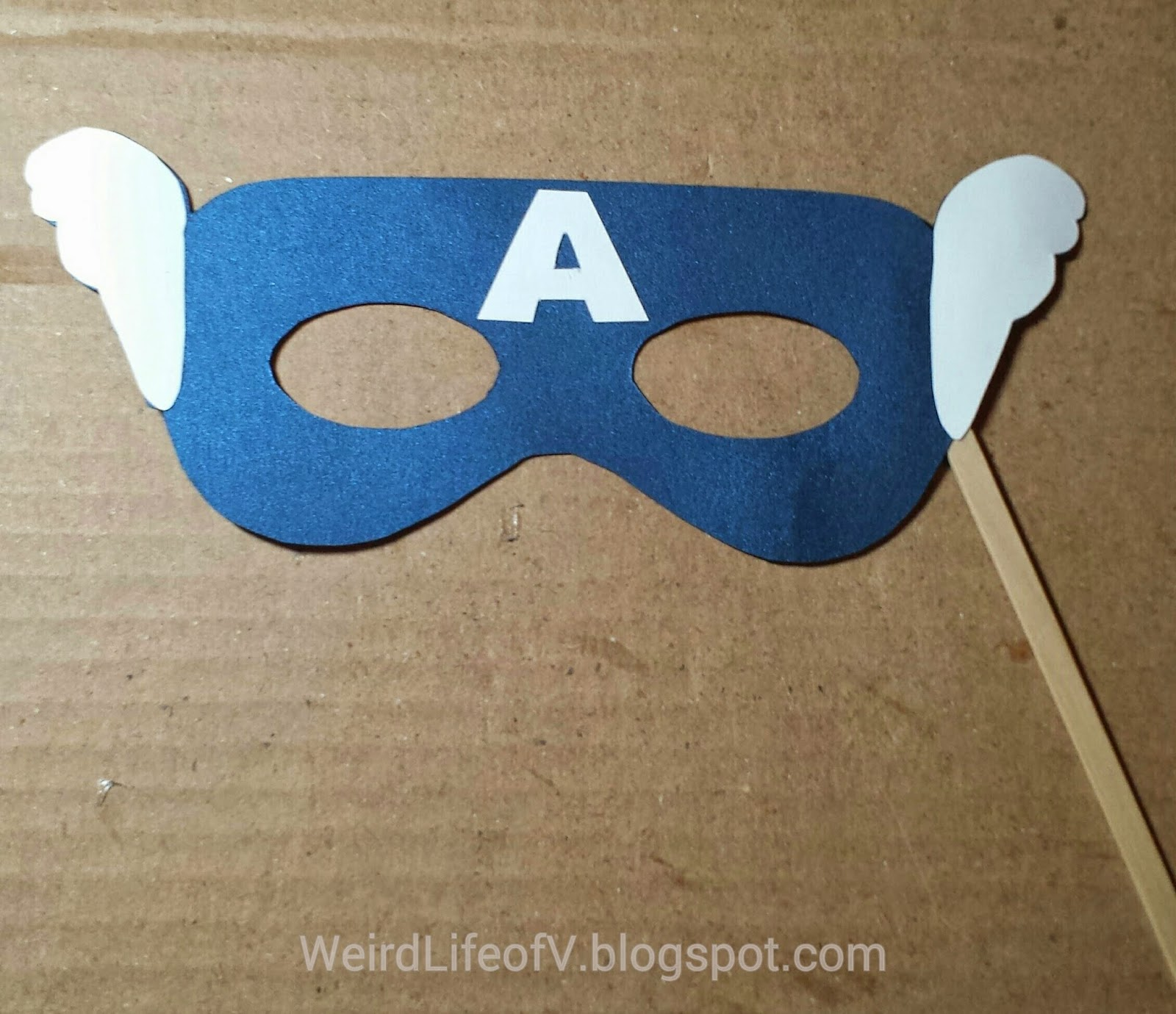 DIY: Captain America paper masquerade style mask