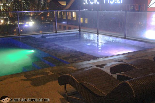 Swimming pool of City Garden Grand Hotel