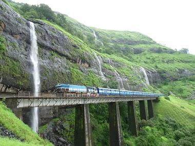 Travel Through Mumbai, Maharashtra and Bollywood