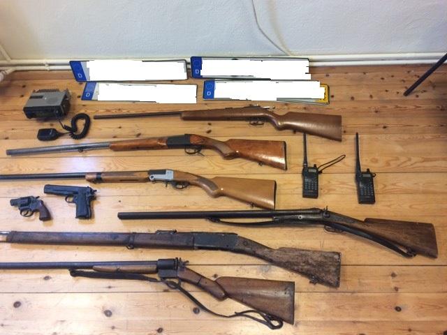 Συνελήφθη 62χρονος με ένα μικρό οπλοστάσιο