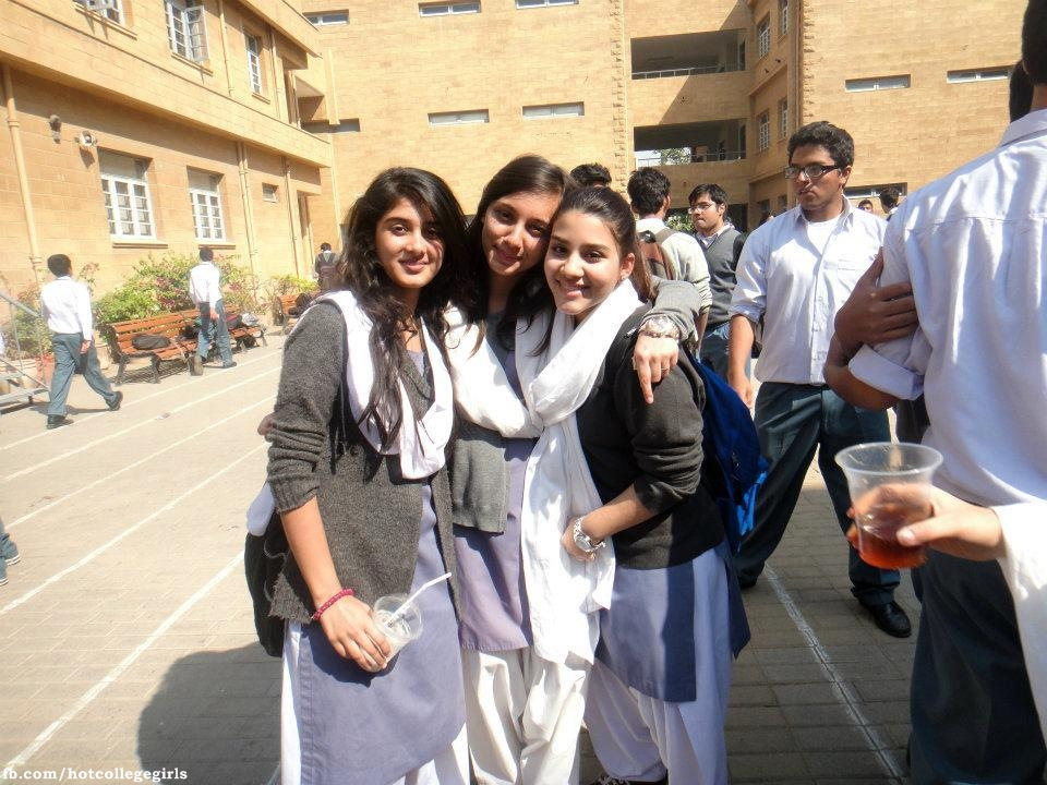 all pakistan colleges girls nasked at hostel