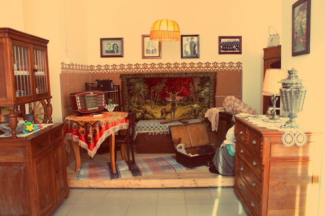 typical russian flat, soviet home, Russian carpets