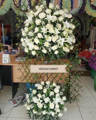 standing flower di surabaya, toko bunga murah online surabaya, toko bunga mawar online di surabaya