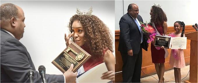Alcalde de Lawrence entrega llave de la ciudad a Miss Massachusetts y la declara ciudadana de gran valor