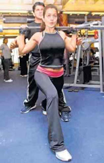 Amisha Patel Doing Shoulder's Exercise