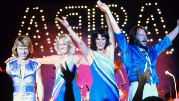Los cuatro componentes de la banda británica ABBA