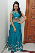 srmukhi new gorgeous looking sills-thumbnail-11