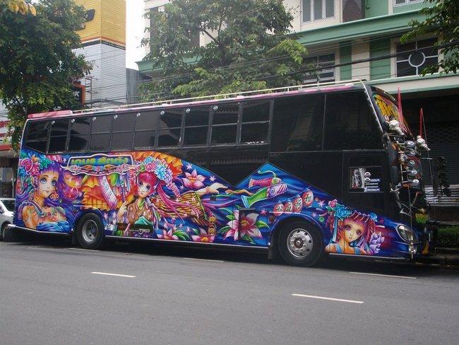 аниме на автобусе