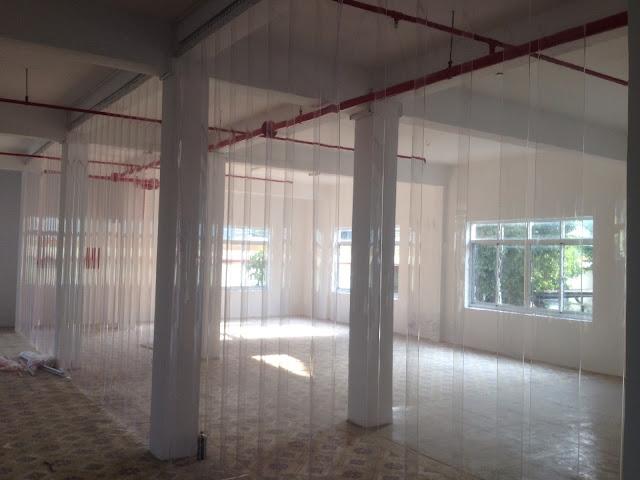 Cuộn Màng Nhựa PVC Làm Vách Ngăn - Rèm Cửa Nhựa