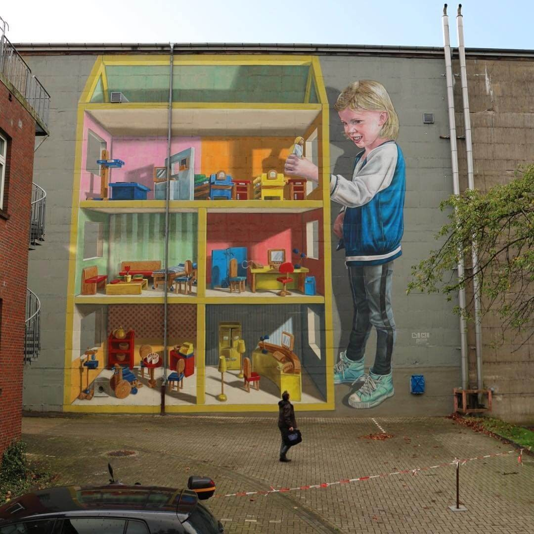 03-3D-mural-Dollhouse-Leon-Keer-3D-Anamorphic-Street-Art-and-a-Video-www-designstack-co