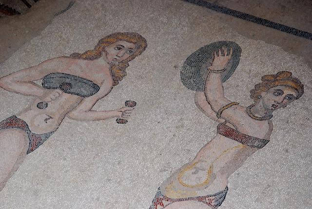 Femmes au Bikini Casale