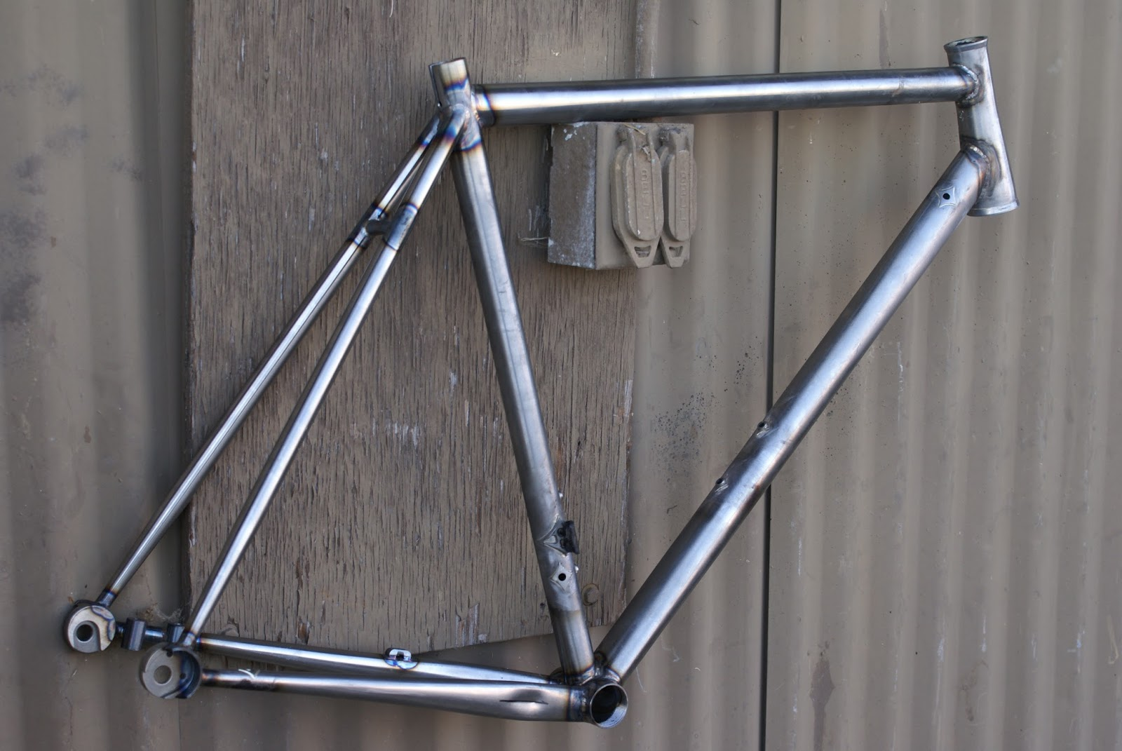 what\'s up in Santa Cruz: Steel Di II disc brake road frame