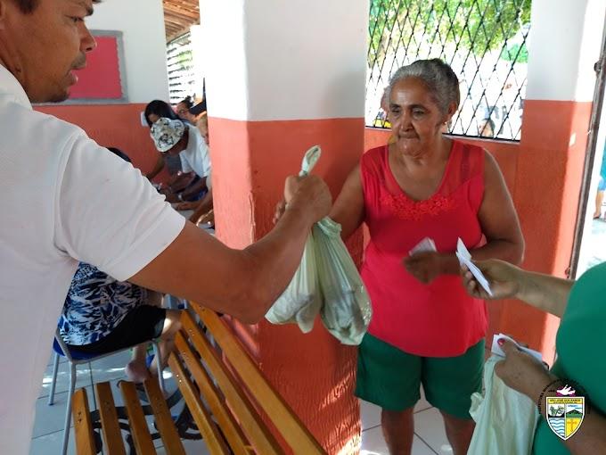 ENTREGA DE PEIXE: Prefeitura de São José dos Ramos realiza entrega de peixe para a população do município.