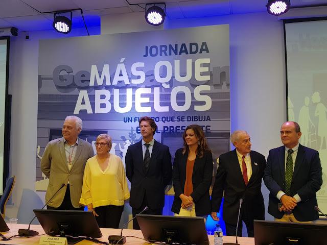Más de 500 personas mayores escenifican en Valencia las ventajas de un envejecimiento activo