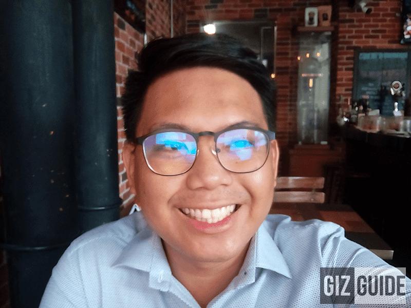 Blurry selfie cam