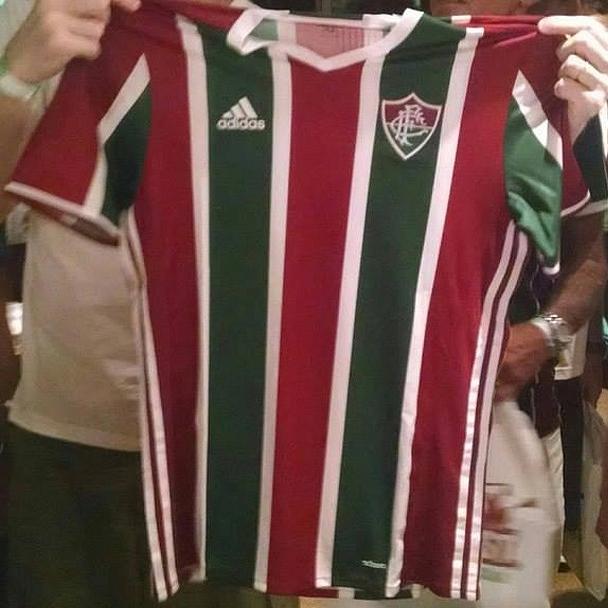 2040e50c16 Fluminense troca camisas da Adidas por doação e arrecada R$ 40 mil ao CT