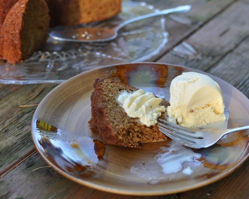 Spiced Honey Cake with ice cream ♥ KitchenParade.com