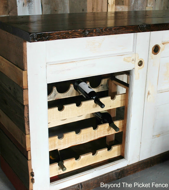 wine rack, tutorial, pallet wood, reclaimed wood, DIY, salvaged, http://bec4-beyondthepicketfence.blogspot.com/2016/03/wine-rack-tutorial.html