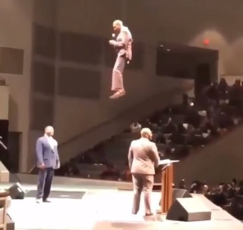 Wonders Shall Never Cease: See How A Flew From The Air And Entered His Church.