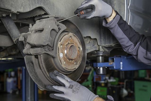 Start-Automechaniker-Service