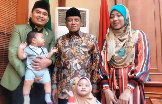 Ngefans Ketum PBNU, Ustadz Asli Malaysia Ini Namakan Anaknya Aqil Siradj