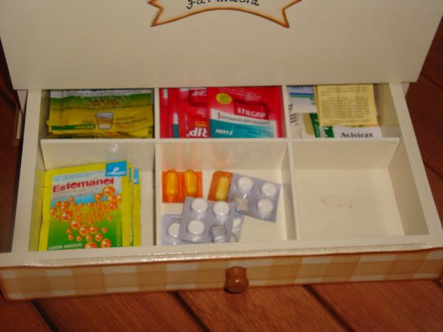 Gaveta de medicamentos da Farmacinha