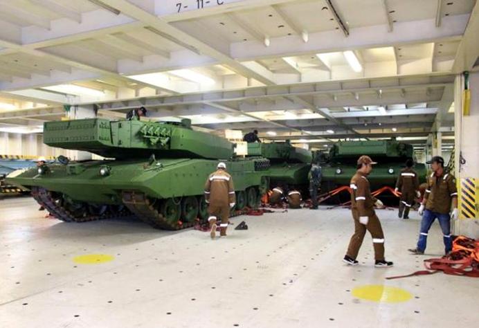 Leopard 2A4 Revolution RI