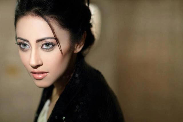 HQ Photos of 'Balu Mahi' actress Ainy Jaffri - HD Wallpapers of Pakistani TV Drama / Film actress Ainy Jaffri