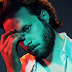 "Father John Misty revela faixas inéditas do seu novo álbum ""God's Favorite Customer"""