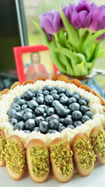 Fanny Cradock Blueberry Gateau