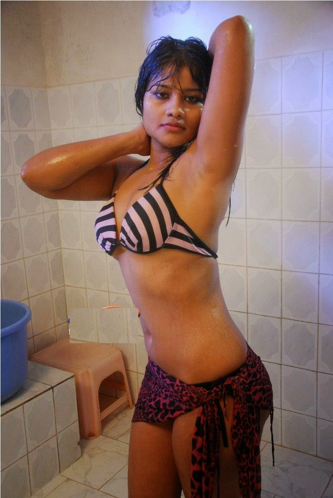 Hot Indian Girl Bathing - Girls Without Clothes Bra -5090