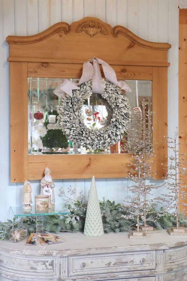 Refresh Boxwood Wreath for Christmas for French Country Style with white spray paint